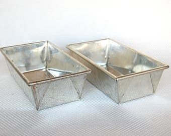 Set of 2 Vintage Heavy Steel Loaf Pans 9 X 5 X 2 Inch Full Size Steel Loaf Pans Starburst and Waffle Texture for 1.5 Pound Loaves