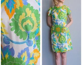 20% Off Sale // 1960s Dress // Bold Silk Print Shift Dress // vintage 60s dress