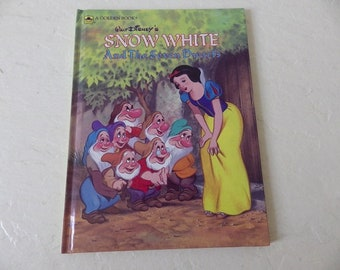 Walt Disney's Snow White and the Seven Dwarfs, A Big Golden Book. Like New, 1984