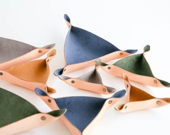 Triangle bowl- leather catch-all- triangle valet- leather snap bowl- triangle dish- jewelry caddy- stitch-marker-holder- knitting yarn bowl