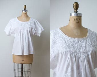 Vintage Mexican Embroidered Blouse / White Cotton Blouse