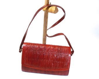 circa 80s, Eel Skin Shoulder Bag, Clutch, Purse, CrossBody, Burgundy/Wine with Removable Strap, Ruche Front Flap, Suede Lined, Made in Korea
