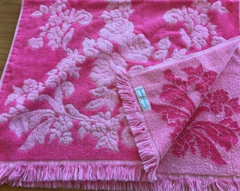 Vintage Cannon Monticello Hot Pink  Reversible Bath Towel-vintage pink floral towel, Monticello  vintage towel, hot pink floral towel