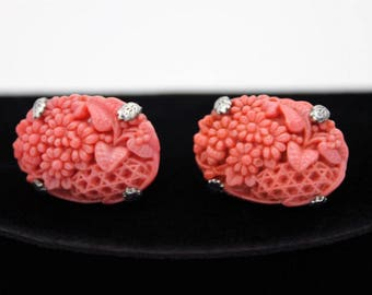 Molded Plastic Daisy Earrings in Coral Pink, ca. 1950s