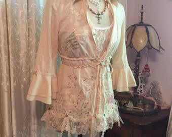Tea Stained Shirt, cute bell sleeves, eyelet lace peplum, buttons and bows, empire waist tie strings, snaps , gypsy hippie top, MEDIUM