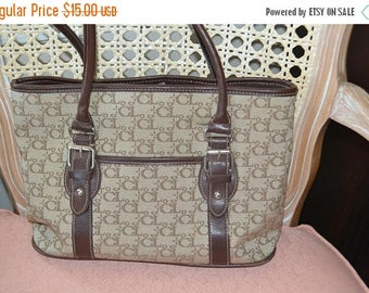 Sizzling Summer Sale Carryland  Vegan Leather & Canvas  Bag Excellent  Condition Made in the USA