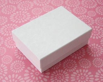 High Quality Matte White Cotton Filled Jewelry Boxes 2.5 x 1.75 x 15/16 inches - 10 Small