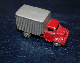 Barclay Slush Cast / Die Cast Toy Truck Metal Wheels HO Scale Box Truck