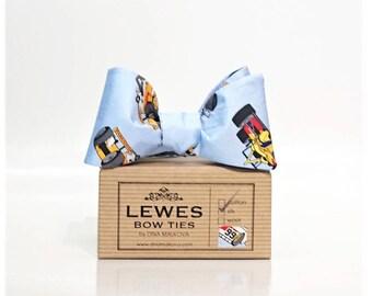 Men's self tie bow tie, racing cars USA bow tie, racing cars blue self tie silk bow tie, Dan Gurney Eagle Racing Cars USA silk bow tie