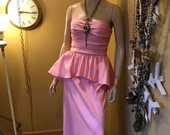 Some like it Hot Marilyn  Monroe Pink Formal Gown by 'JUMP' Gorgeous built in beaded accented bust strapless bust. Floor length. tutu waist.