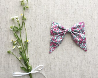 Sailor Bow in Pink Lily - hair clip