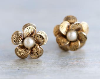 Antique Damascene Flowers - Clip on Earrings with Pearl