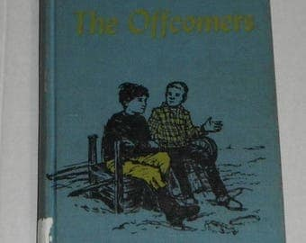 The Offcomers by Elfrida Vipont illustrated by Janet Duchesne Vintage Hardcover Ex-library Book