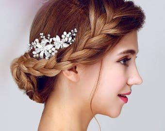 Bridal glam vintage swarovski crystal hair comb. Rhinestone jewel wedding headpiece