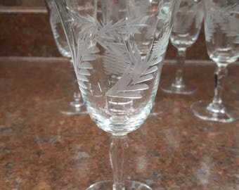 Set of 6 Fancy Cordial/Liquor Glasses Etchedwith Pineapples