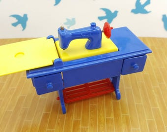Renwal Sewing Machine Blue  Toy Furniture Doll House Pedal Style