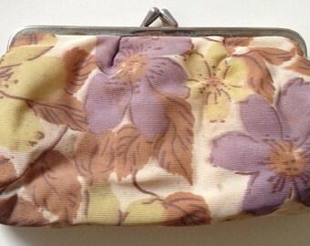 Vintage 1970s clip-frame make-up bag