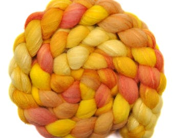 Hand painted combed top roving - Silk / Shetland wool 30/70% spinning fiber - 4.0 ounces - Gilding 2