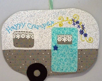 Vintage Trailer Happy Camper Mug Rug - Gray Dots