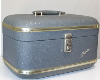 Lovely, Vintage Zephyrlite Train Case, Travel Bag