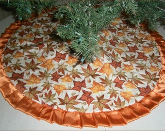 "Autumn / Fall Tree Skirt ~ 47"" ~ Leaves & Acorns on Tan"