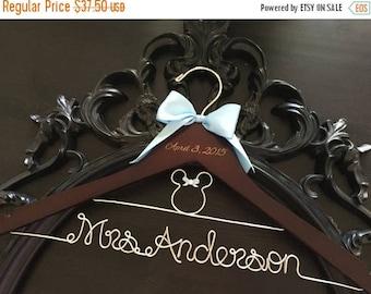 SUMMER SALE Disney Wedding / Disney Bride Hanger / Minnie Mouse Hanger / Wedding Hanger / Personalized Hanger / Bridal Hanger / Burned