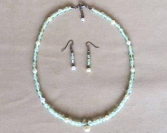 Sea Foam Green Sea Glass & Pearls Pendant w/Earrings, Seed Bead Necklace Set, Beach Glass Beaded Jewelry Set, Handmade Gunmetal Jewelry Set