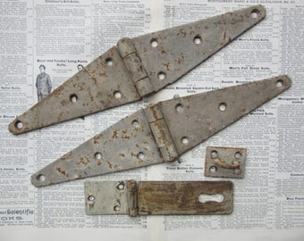 3 Piece Set Vintage Door Hinges & Lock Hasp Barn Door Hinges Hardware Strap Hinge Industrial Architectual Salvaged Metal Hinges Steel vtg