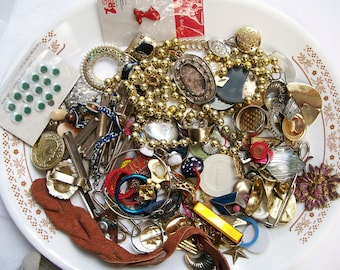 MIXED MEDIA LOT 1.3 lb Broken Jewelry Components Leather  Beads Findings Destash Craft Mixed Media Upcycle Mosaic Collage .7