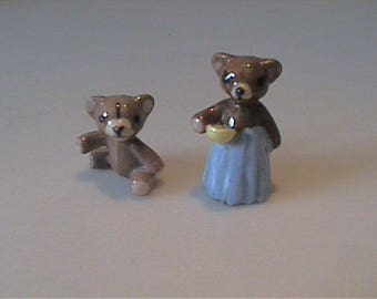 Vintage 1950's Hagen Renaker miniature mama bear with porridge and baby bear