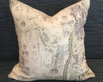 Shades of Grey Graphic Paisley Pillow Covers in Timuri Vineyard