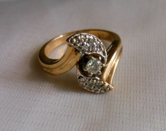 Vintage 14K yellow Gold and Diamond Engagement Ring Size 7