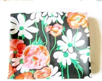 SUMMER SALE - German Vintage DDR Synthetic Red Poppy Fabric from the 70ies (in the Ddr they were used for sewing bags)