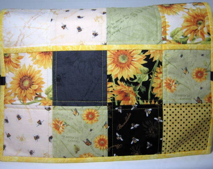 Sunflowers Reversible Quilted Sewing Machine Protector Dust Cover
