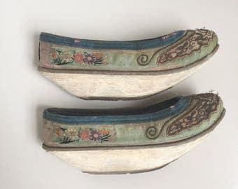 Antique chinese manchu shoes - forbidden stitch
