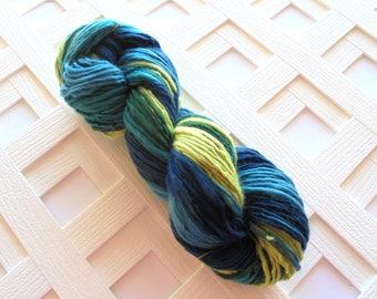 Handspun Yarn, SEA BREEZE, Soft Gradient Yarn, Handspun Merino, Blue Yarn, Green Yarn, Worsted-Weight Yarn, Thick and Thin Handspun Yarn