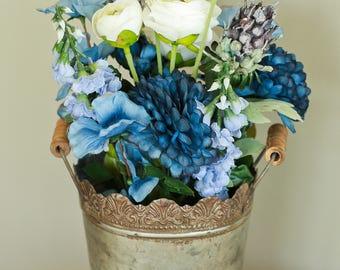 floral arrangement, blue floral arrangement, decor