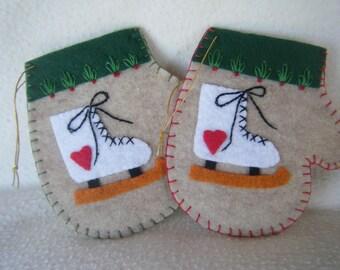Beige Felt Ice Skate Christmas Mitten Ornament/Gift Card Holder