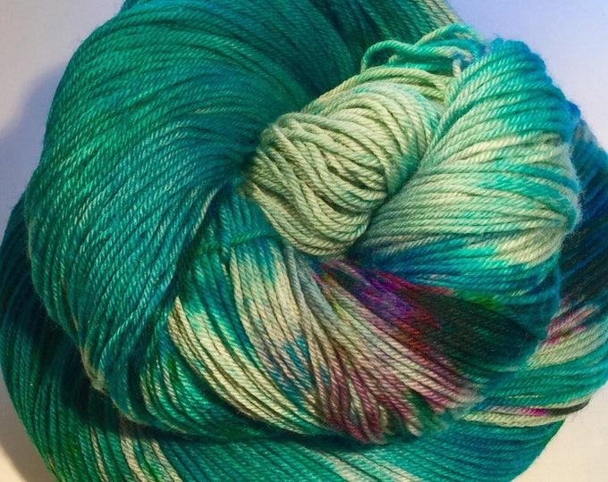 I C Spots - Spring Green - Fingering / Sock Yarn