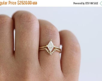 ON SALE Bridal Diamond Wedding Set, Diamond Rhombus Ring, Modern Engagement Ring, Diamond Wedding Ring, Geometrical Wedding Ring, Curved Rin