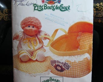 Cabbage Patch doll carrier, quilt, pillow and pillow cover, Butterick 6661 or 337, 1980's, complete, cut, iron on transfer not included