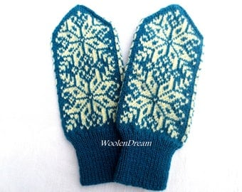 Merino wool mittens,warm winter glove, Scandinavian mittens with Nordic stars,snowflake arm warmers,fashion accessory,Christmas gift for Her