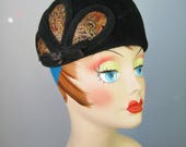 Velour Pill Box Hat / Vtg...