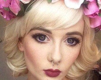 Marilyn / Platinum Chin Length Blonde White Wig Short Synthetic Hair