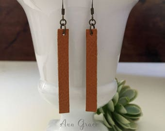 Leather Earrings // Joanna Gaines jewelry //  brown leather drop earrings // Fixer Upper // Joanna Gaines Earrings