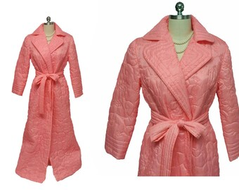 New Old Stock Vintage Styled by Mr Robert Hong Kong Quilted Robe NEW w Tag mr robert robe coral pink robe hong kong robe dressing gown