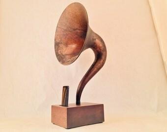 Acoustic Speaker, iPhone Speaker, Magnavox Speaker, Passive Speaker, Portable Speaker, Music Player, Vintage Speaker, Speaker