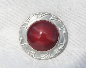 Vintage Ruskin Type Deep Red Cabochon White Metal Brooch Very Stylish