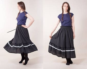 Black Prairie Country Peasant Skirt / Vintage Striped Flounced Tiered skirt / Full skirt / size  small