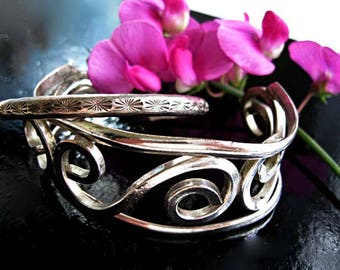 Zuni Etched Bracelet, E. Peina Signed Petite Cuff  Mexico Sterling Silver Bracelet Pair, Wide Scrolled Open Curves Cuff, Southwestern Theme